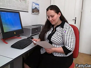 Plumper and client have sex in office