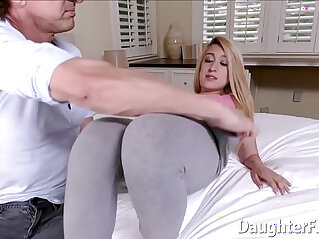 Pretty Alexa Raye Gives Head and Pussy Stuffed by Big Cock